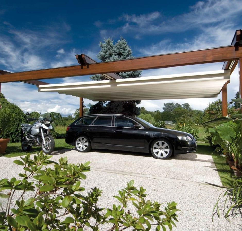 Pergola in legno addossata per copertura auto