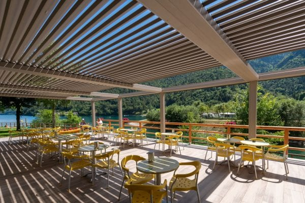 Pratic Bioclimatic Pergolas at Green Ice Restaurant at Ledro Lake