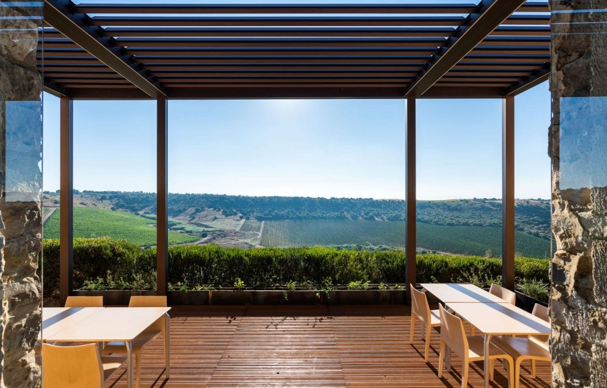 The Vision pergola covers the terrace of the inner room of the Wine Relais Feudi del Pisciotto.